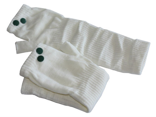 fingerlesse gloves rivet creme green